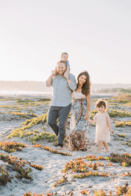 Coronado beach family photographer in San Diego